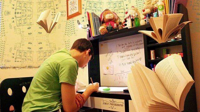 自分磨き、資格の勉強をする