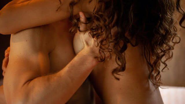 社会人の男性がセフレを作るうえで重要なのは、「最初のセックス」